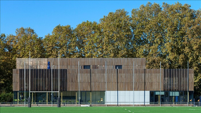 Le Gallo Sports Complex in Boulogne: architecture using heat-treated wood that has charm!